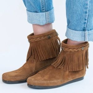 Minnetonka 293 High Top Moccasin Fridge Boots